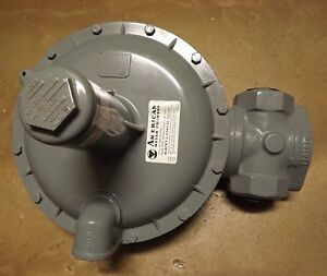American Meter Elster Model 1813 Partial Relief Gas Regulator Valve 1 1 4