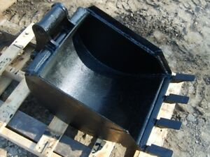 18 Backhoe Digging Bucket