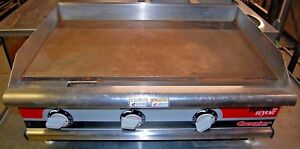 Apw Wyott Electric 36 Flat Top Grill Model Eg 36h 208 240 Volts