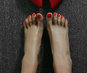 1 Pair Lifesize Realistic Silicone Foot Mannequin Fetish Love Jewelry Display 39