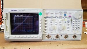 Tektronix Tds744a Color 4 Channel Digitizing Oscilloscope Tested Good