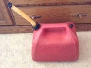 Vintage Essence By Rubbermaid 5 Gallon Gas Can Model 1251