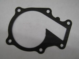 Kubota Diesel D1105 V1505 Water Pump And Gasket Part 16241 73034 16261 73430