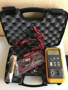 Lightly Used Fluke 717 30g Pressure Calibrator W Hard Case And Accessories