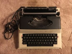 Electric Portable Typewriter Vintage Royal 1969 Apollo 10 With Case Retro