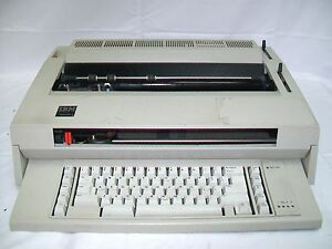 Ibm Wheelwriter 3 Typewriter 674x