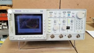 Tektronix Tds754d Digital Phosphor Oscilloscope Passes Self Test 9