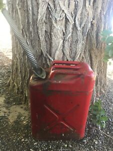 Vintage Red 5 Gallon Metal Usmc 1985 Jerry Gas Spout Fuel Can Jeep G 20 5 85