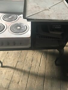 Hot Point Vintage Stove And Oven Needs Restoration Great Deal