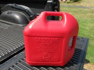 Blitz 5 Gallon Gas Can Unvented Missing Yellow Cap Good Can Usa Made