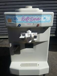 2004 Taylor 142 Soft Serve Frozen Yogurt Ice Cream Machine Warranty 1ph Air