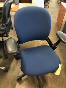 Mid back Executive Chair By Steelcase Leap V1 fully Loaded 2004
