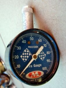 Vintage Precision M Accu Gage Checkered Cross Flags 100 Lb Tire Pressure Gauge