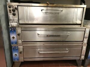 Bakers Pride Pizza Ovens 3 Stacked Ovens Top 2 2008 Model Ep8 5736 Bottom e544
