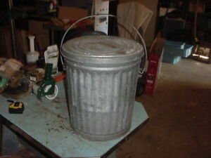 Vintage Galvanized Pail Bucket 70s 80s Garden Decor 10 12 Gal Trash Can W Lid