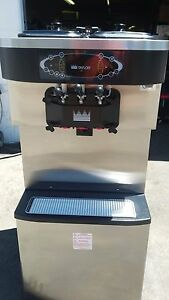 2009 Taylor C713 Soft Serve Frozen Yogurt Ice Cream Machine Warranty 3ph Air