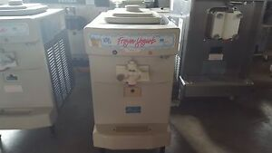 2010 Taylor 142 Soft Serve Frozen Yogurt Ice Cream Machine Warranty 1ph Air