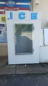 Ice Freezer Merchandiser Single Glass Door