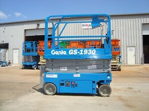 Genie Gs1930 Year 2012 Scissor Lift 19 H X 30 W 19 Feet