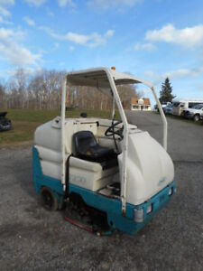 Tennant 7300 Scrubber Electric Sweeper Low Hours