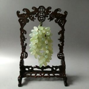 Very Exquisite Chinese Hand Carved Natural Xiuyan Jade Grape Statue