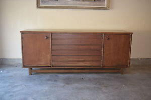 Mid Century Furniture Stanley American Forum Collection Buffet Dresser Credenza