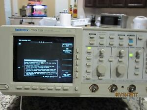 Tektronic 500mhz Tds 520 Two Chanel Digitizing Oscilloscope