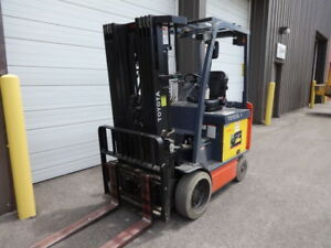 2010 Toyota Quad 4 000 Pound Electric Forklift Model 8fbcu20 Low Hours