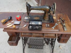 Singer 1914 17 Vintage Sewing Machine G4652270 With Cabinet And Accessories