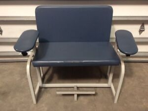 Clinton Industries Lab Phlebotomy Wide Chair Blue Medical Healthcare Exam