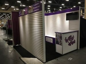 Used Trade Show Exhibit Booth 20x20 Or 10x10 White Slat Wall