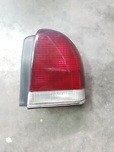 1995 Chrysler Lhs Sedan Right Passenger Side Rear Tail Light Lens Assembly