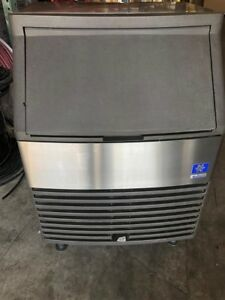 Used Ice Machine Manitowoc Qd 0212a Undercounter Ice Cuber