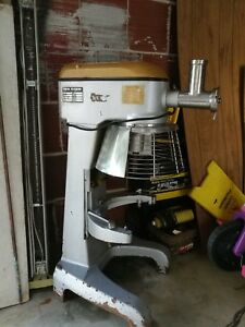 Anvil Mix7130 30 Quart Mixer With All Attachments Bowl Dolly Used