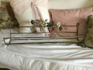 Shabby Antique Vtg Metal Tole Towel Rack Barbola Roses Italian Old