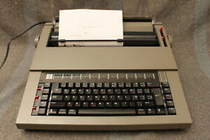 Sears the Electronic Communicator 3 Electric Typewriter Model 268 53070