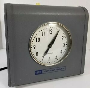 Large Vintage Cincinnati Time Recorder Co Time Clock Industrial Model 2100 X