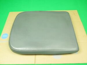 02 08 Dodge Ram 1500 2500 Middle Jump Seat Center Console Armrest Lid Gray Used
