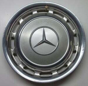 Mercedes Benz Hubcap Wheel Cover Measures 15 1 4 Across The Face 14 Clips