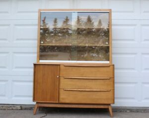 Heywood Wakefield Mid Century Modern Glass Hutch China Cabinet