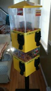 8 Compartment U turn Candy Machines With Key
