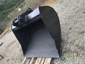 200 Size Excavator Clean Out Digging Bucket