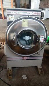 Milnor 55lb Washer Extractor