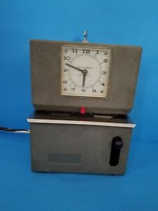 Vintage Lathem 2100 Series Model 2121 Heavy Duty Time Recorder Clock With Key