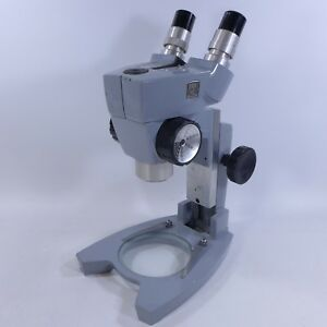 American Optical ao Spencer Stereo Dissecting Microscope With 2 10x Eypieces