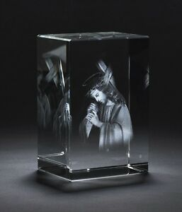 3d Religious Jesus Carrying Cross Laser Engraved Crystal Glass Picture