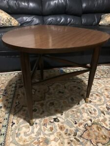 Mid Century Modern Guitar Pick Side Table By Mersman 8198 Vintage Laminate Top