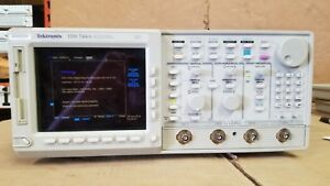 Tektronix Tds744a Color 4 Channel Digitizing Oscilloscope Passes Self Test 2