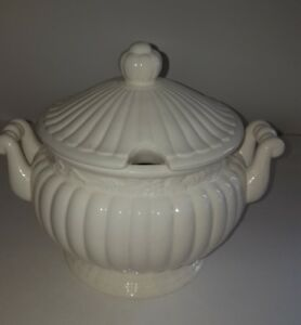 Vintage White Ribbed Ceramic Soup Tureen And Lid Hamdles Unmarked