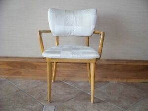 Heywood Wakefield Mid Century Modern Wheat Finish Arm Chair